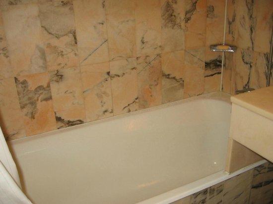 Hotel de Vendome: banheira