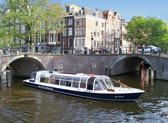 See Amsterdam - Canal Cruises and Walking Tours : Canal Cruise with the Da Vinci