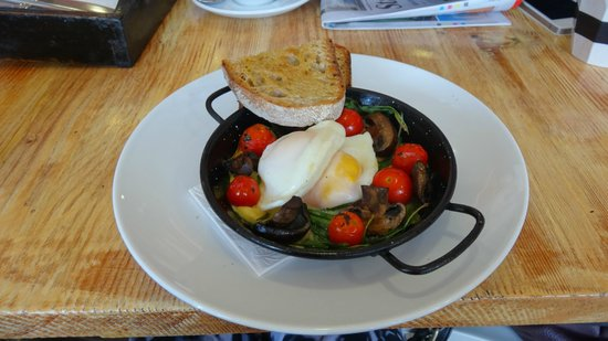 Milkbar: Baked eggs, tomatoes and sour dough