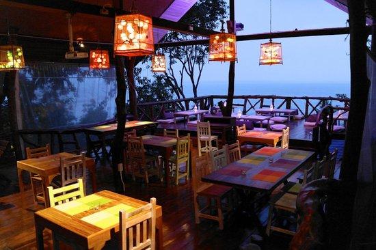 Tantawan Bungalow: Restaurant & Sunset deck