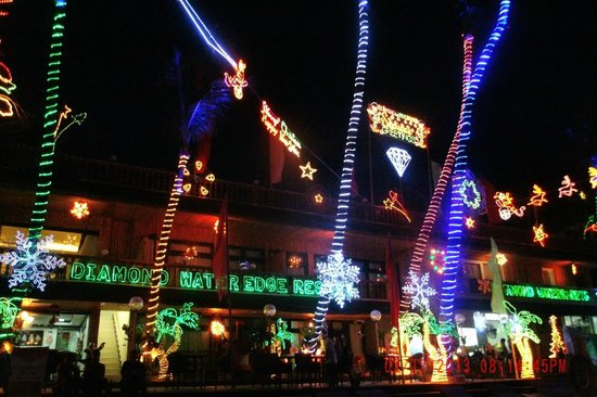 Diamond Water Edge Resort: Fantastic Christmas Lights at the Resort