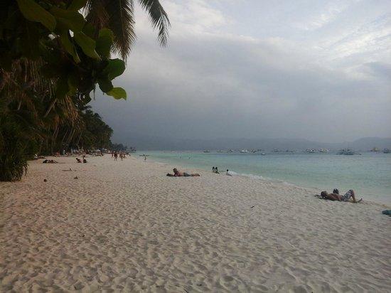 Bei Kurt und Magz: View of Station Three beach, looking South from Kurt's