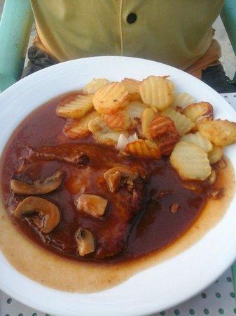 Bei Kurt und Magz: Pork with Mushroom Sauce (About 350p)