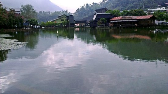 Checheng Station: View by the ecology pond