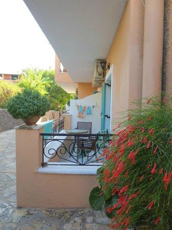 Artemis Apartments : Balcony