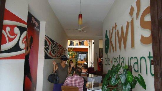 Kiwi's Café restaurant: LUCIA THE OWNER IN KIWI'S RESTAURANT