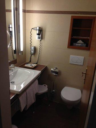 Platzl Hotel: Bathroom