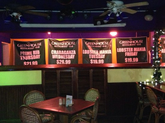 The Green House: Atmosphere (inside) and weekly specials