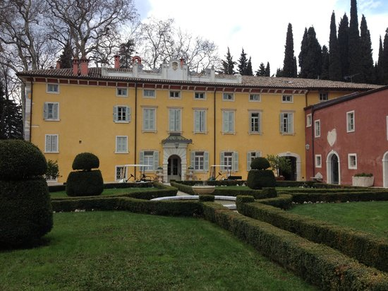 Villa Cordevigo Wine Relais: Corte d'ingresso principale