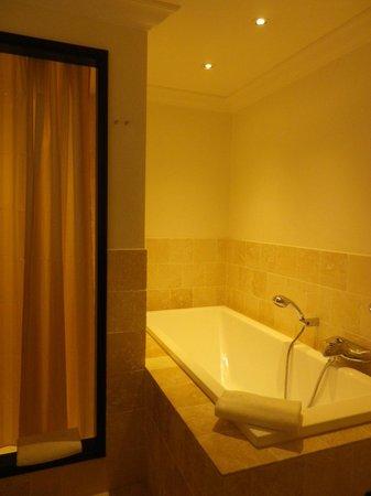La Villa : salle de bains