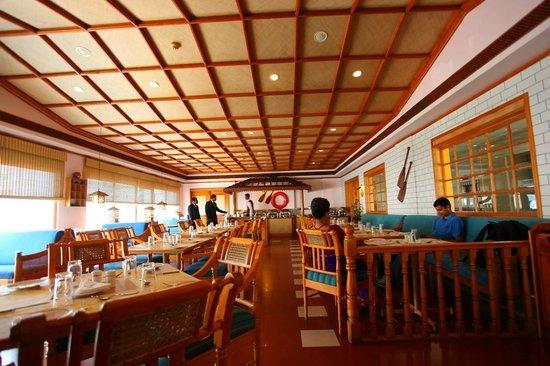 Kadaloram Restaurant, Abad Plaza