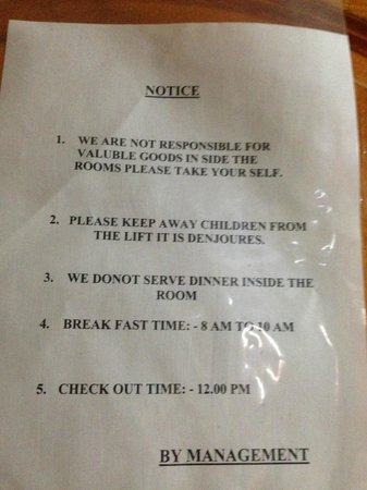 Hotel Roma Palace : Notice for the guests on the room door