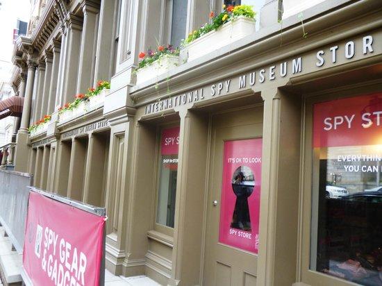 International Spy Museum : Вход в Музей шпионажа в Вашингтоне