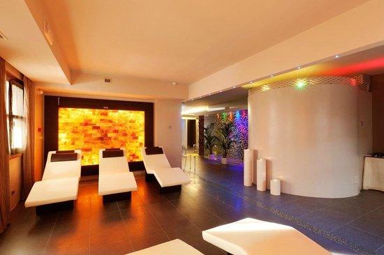 Spa picture of hotel bellevue suites spa cortina d for 7 salon bellevue