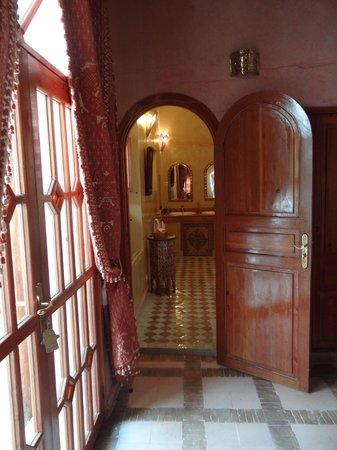 Riad & Spa Esprit du Maroc : Entrée sdb