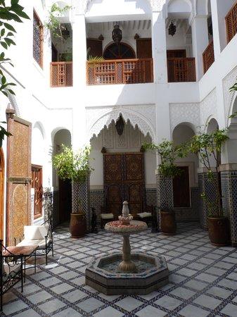 Riad & Spa Esprit du Maroc : un des patio