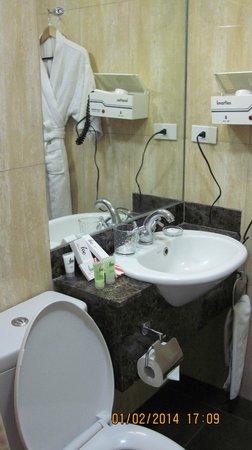 Lee Boutique Hotel: toilet