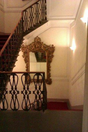 Hotel Cerretani Firenze - MGallery Collection : Scale