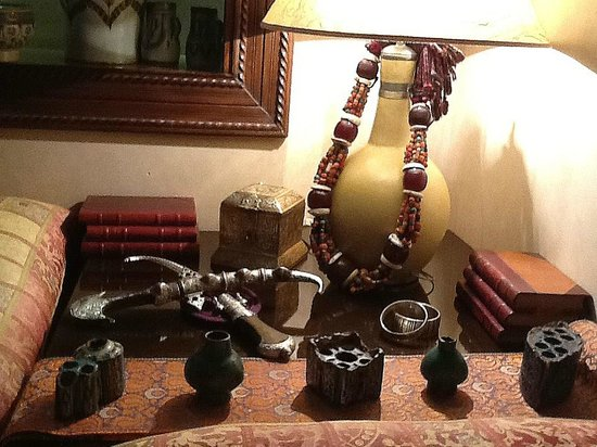 Riad Kniza: Moroccan objets d'art