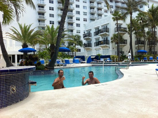 The Savoy Hotel : Piscina do hotel