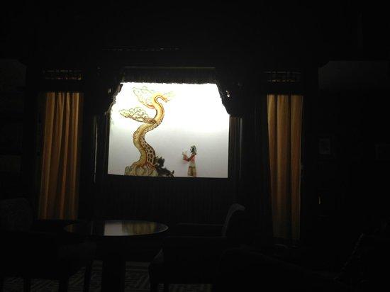 Shichahai Shadow Art Performance Hotel: Show marionetas vista desde el lobby