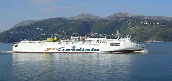 GoinSardinia - Day Excursions : traghetto Goinsardinia