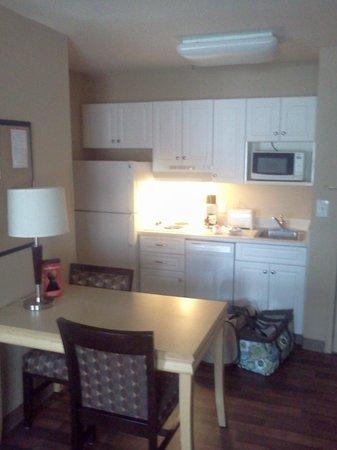 Extended Stay America - Orlando - Lake Buena Vista: Kitchenette