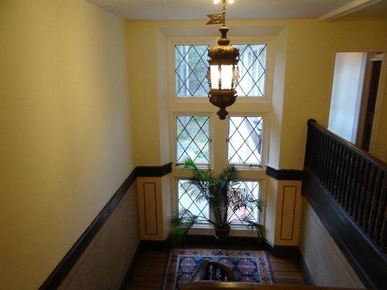 Arrow Park: Hallway
