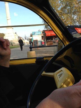 Bordeaux 2cv Tours : Place de la Bourse, and a 40year old steering wheel