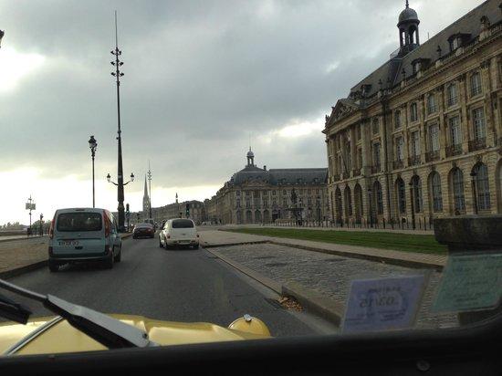 Bordeaux 2cv Tours : The streets of Bordeaux