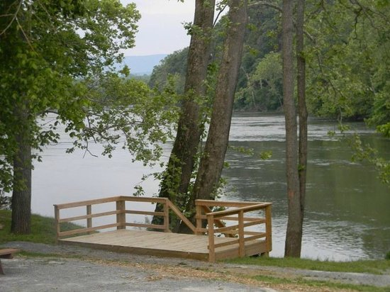 #1 Rock Tavern River Kamp : Deck overlooks Shenandoah River- For Wedding ceremonies  (must reserve entire kamp).