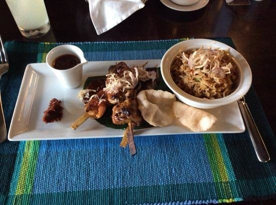 Semondu : lamb,chicken, prawn skewers