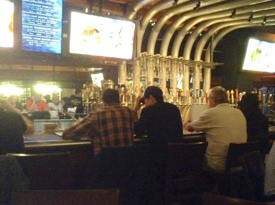 Wolfgang Puck Bar & Grill - LA Live: Bar