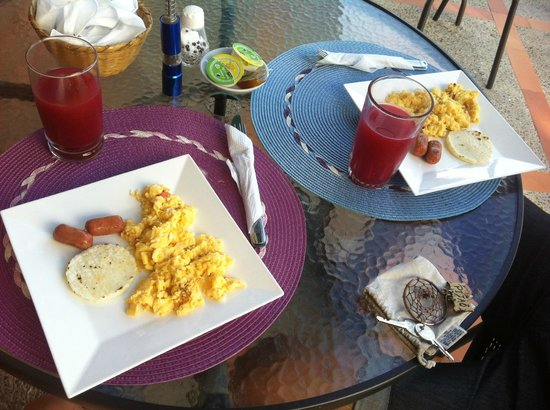 Hotel Kikuxtah : Café da manhã