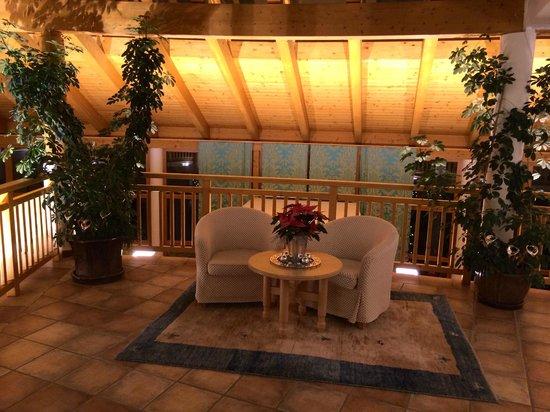 Defereggental Hotel & Resort: Lobby 1. Stock