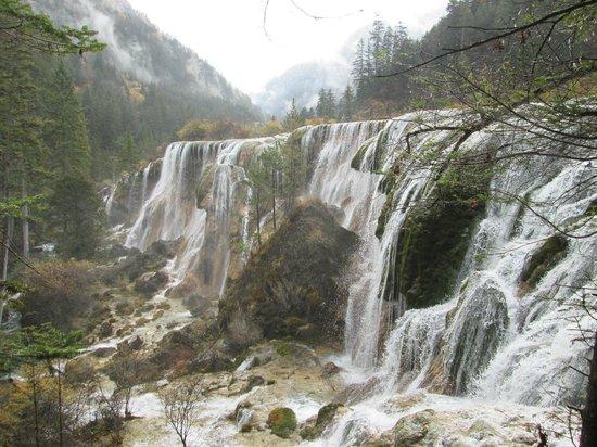 Nuorilang Waterfall: Nature's Wonder