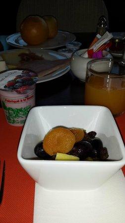 Hilton Evian-les-Bains: CAFÉ DA MANHÃ