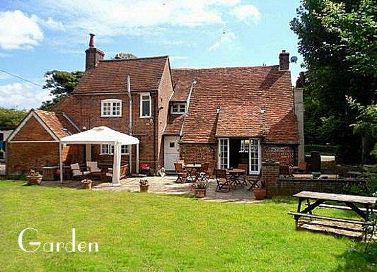 Langley Hall Inn: The Garden