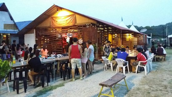 The Wood's Kitchen & Bar Langkawi: Xmas BBQ dinner