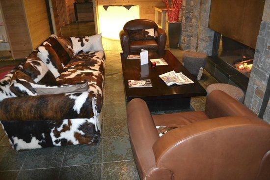 Hotel L'Arboisie: Lobby-Very Comfortable