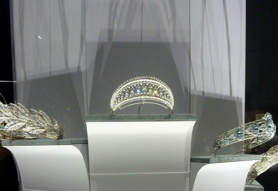Grand Palais: royal tiaras (Cartier exhib)