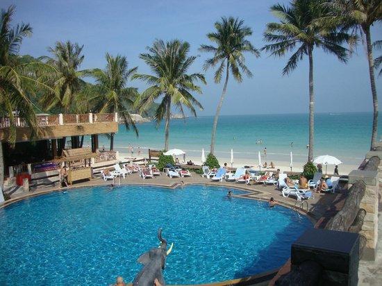 Phangan Bayshore Resort: Ansicht gegen den Beach
