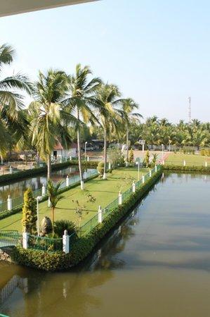 PJ Princess Regency : landscape area in front of the hotel