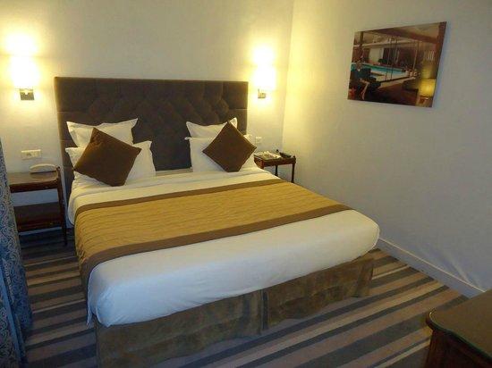 Royal Magda Etoile Hotel: Bedroom