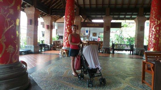 Phuket Orchid Resort & Spa: ресепшн