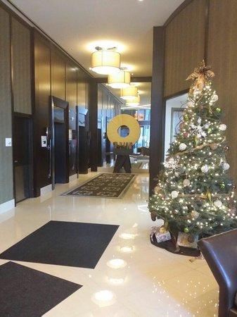 Le Meridien Arlington: Downstairs Lobby