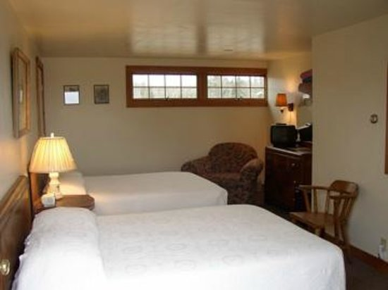 Bass Harbor Cottages and Country Inn : Heron Room
