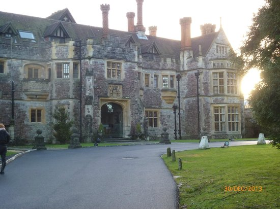 Rhinefield House Hotel: Main entrance