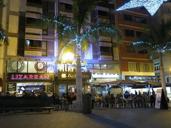 Hotel Adonis Plaza: Framsida hotell