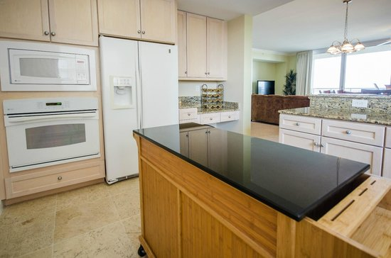 Indigo Condominiums: OPEN KITCHEN